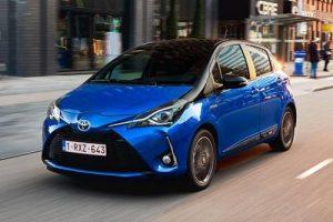 Toyota Yaris Hybrid noleggio Hurry!