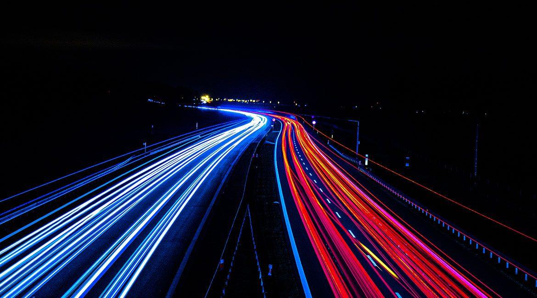 Colonnine di ricarica elettrica obbligatorie in autostrada