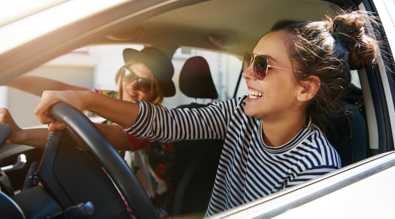 Festa della donna: solo il 63% delle italiane ha la patente