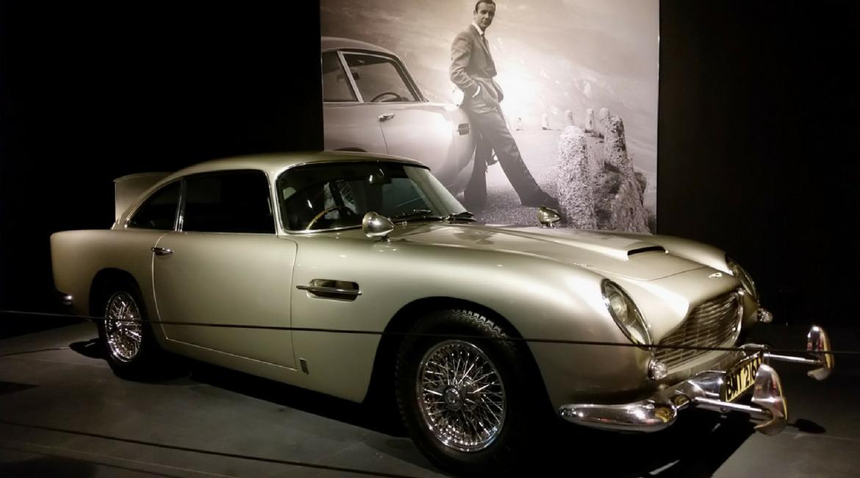 Aston Martin DB5s Goldfinger. L'auto per i futuri James Bond