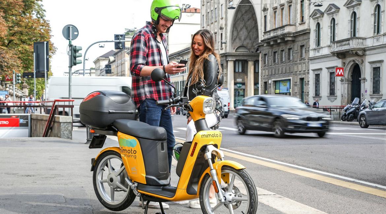 Più Mimoto meno sbattimenti. A Milano arriva l'e-scooter condiviso