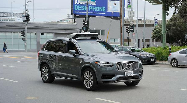 Incidente Uber: qual è il futuro dell'auto a guida autonoma?