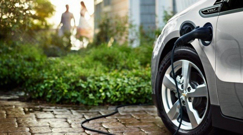 Incentivi auto elettriche: maxi investimento governo tedesco. E in Italia?
