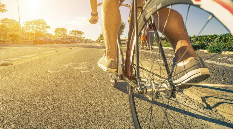 Ma dove vai, senza Hurry in bicicletta