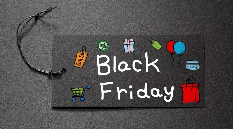 Al via lo shopping natalizio con gli sconti pazzi del Black Friday
