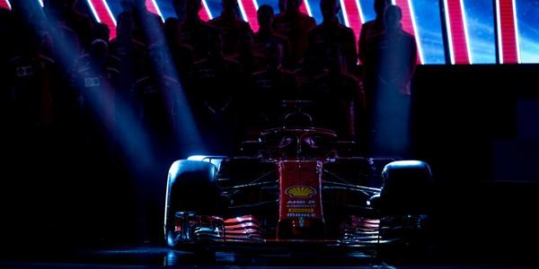 Il rosso e il grigio: è sempre Ferrari contro Mercedes