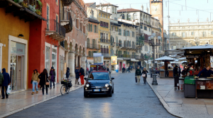 Italiani e auto