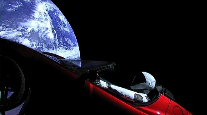 Tesla Roadster in viaggio nello spazio