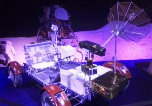 rover veicolo sulla luna